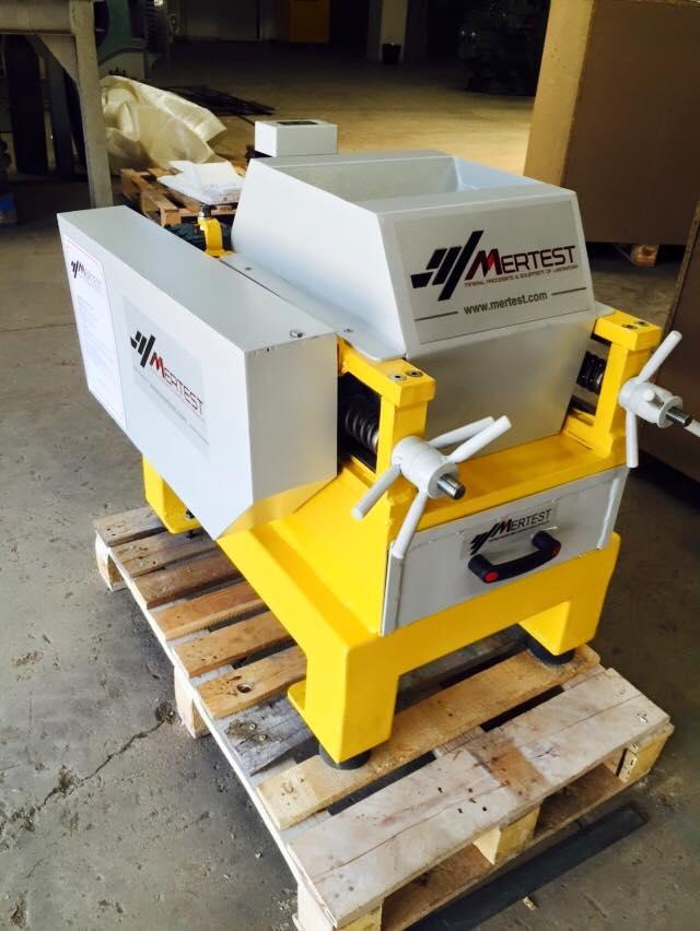 Laboratory Type Roller Crusher LB 250